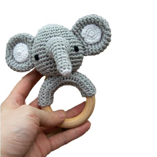 Sonajero ganchillo elefante